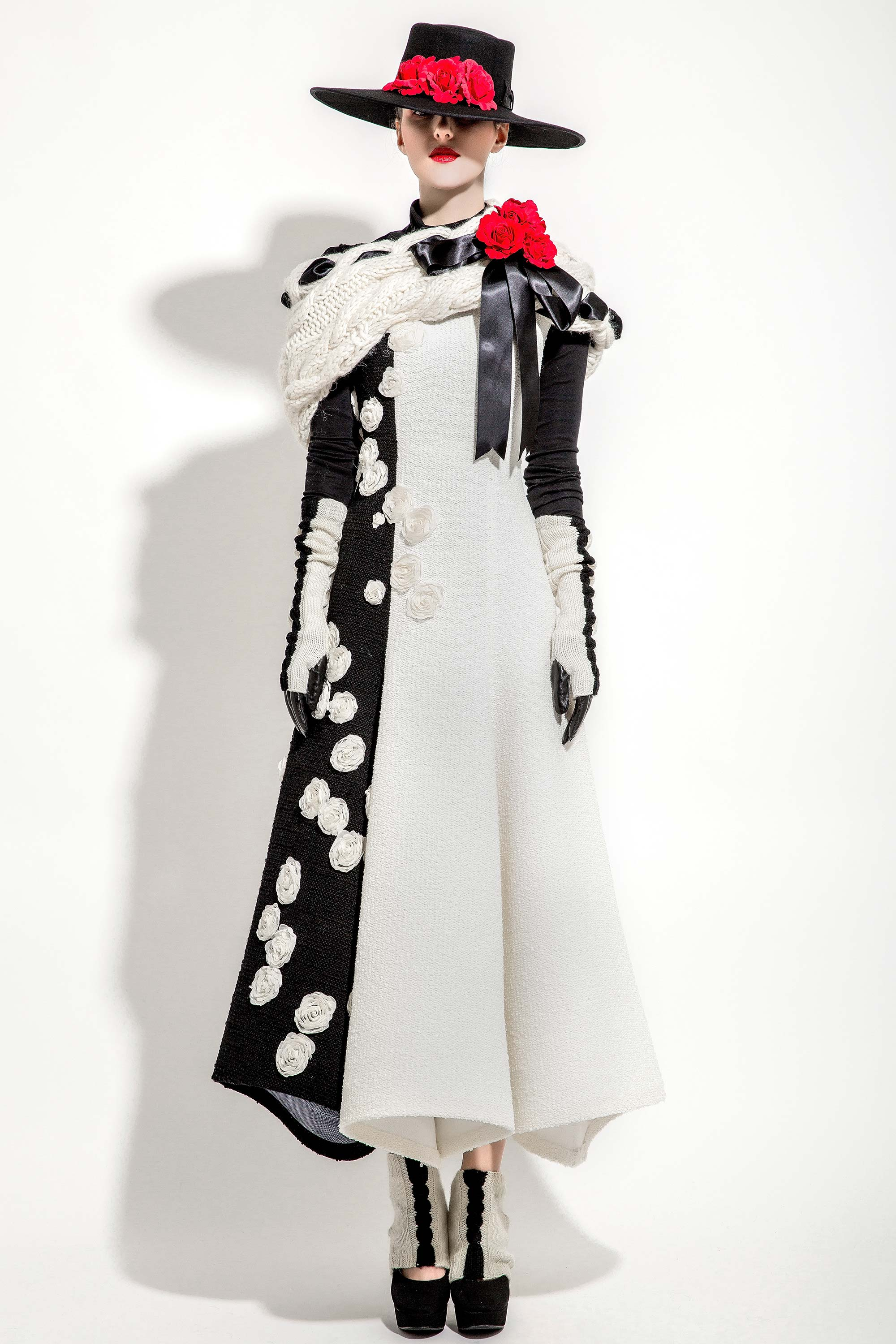 3D Rosettes Embroidered Wool Knitted Dress, Black/Cream