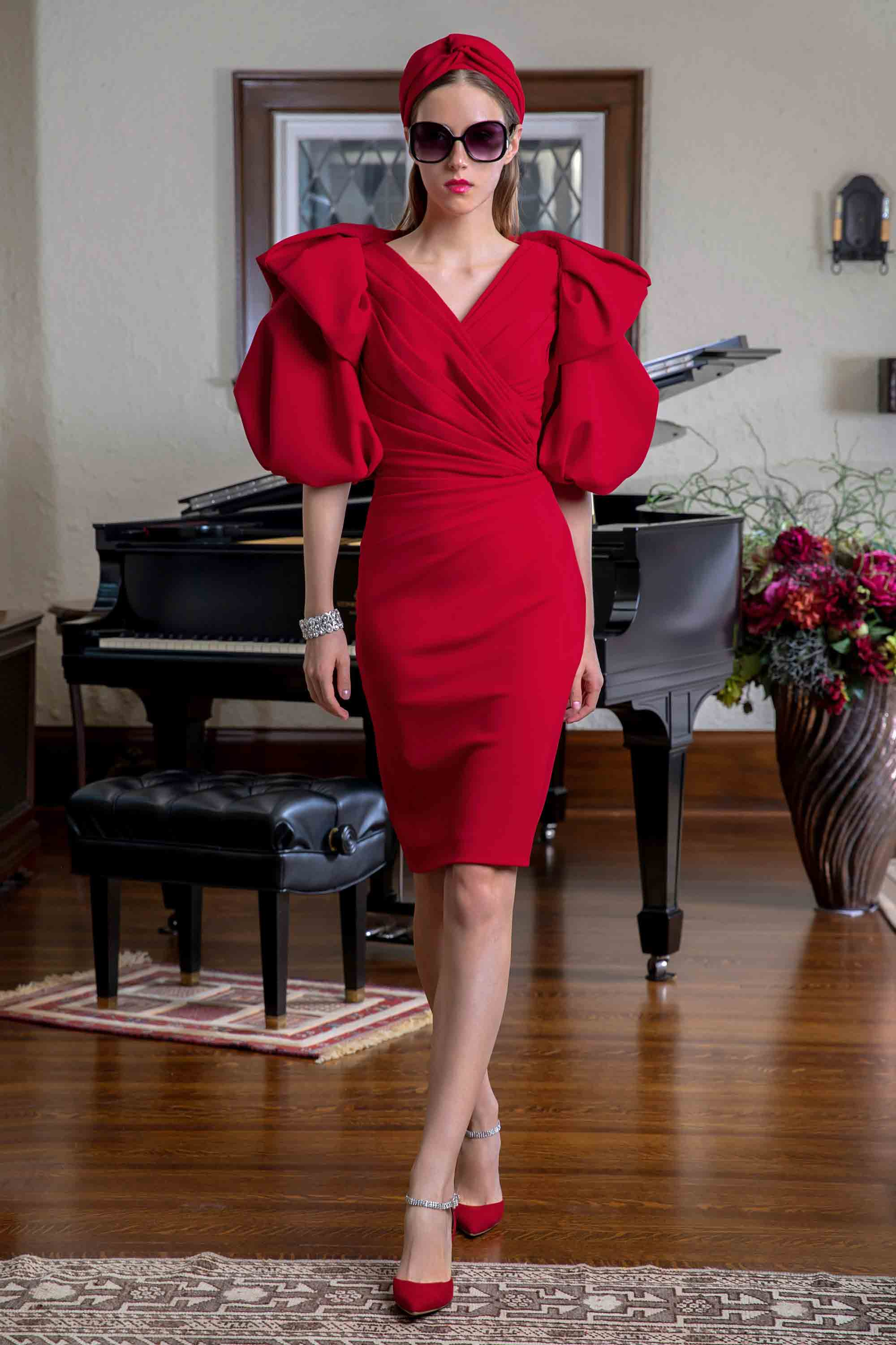 DRAPED DRESS WITH VOLUMINOUS SLEEVE JACKET, RED
