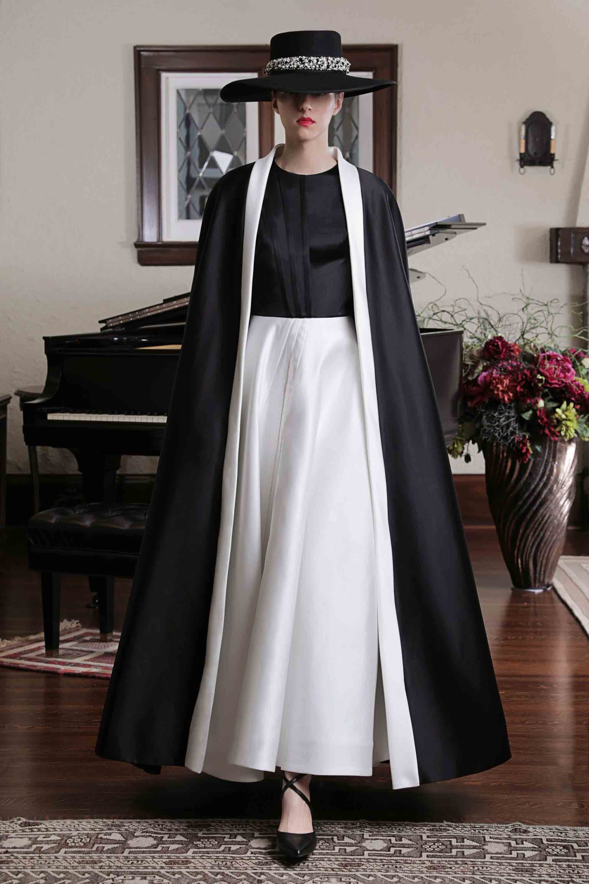 DARTED DUCHESS SATIN GOWN WITH TAILLEUR CAPE, BLACK/PEARL WHITE